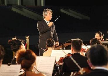 Nhạc trưởng tài ba Honna Tetsuji trổ tài gì ở Hòa nhạc Toyota 2019?